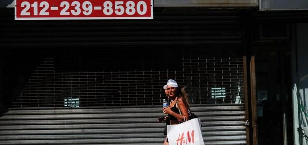 U.S. economy stalls as the coronavirus continues to surge
