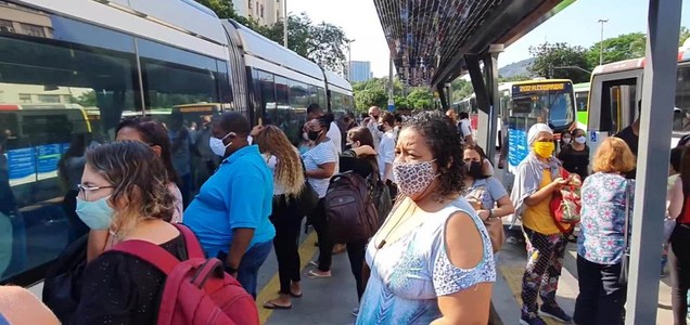 Las aglomeraciones marcan la reapertura económica en Brasil, en medio del coronavirus