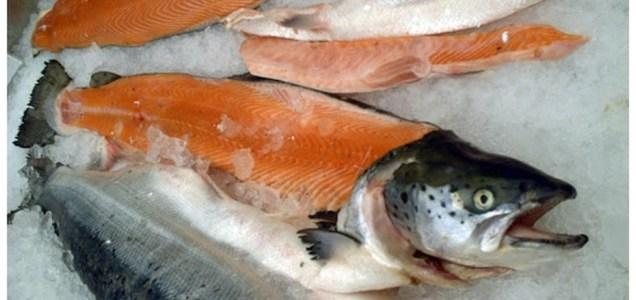 Un salmón importado de Europa es la sospecha china del rebrote de Pekín