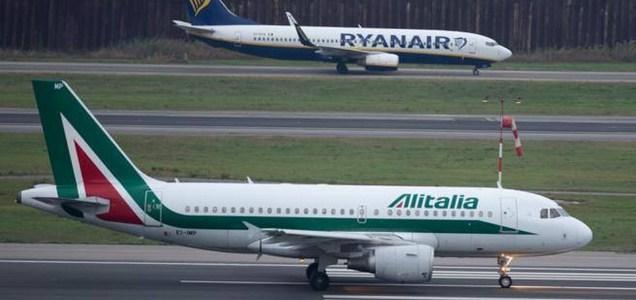 Coronavirus, in Europa fermo un aereo su tre: l'assalto ai cieli di Ryanair e Wizz Air