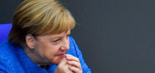 """""""La Merkel non ci ha pagato le mascherine"""". E i produttori le fanno causa"""