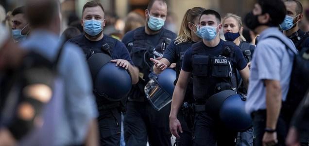 La follia dei giovani immigrati in Germania: così devastano le città tedesche
