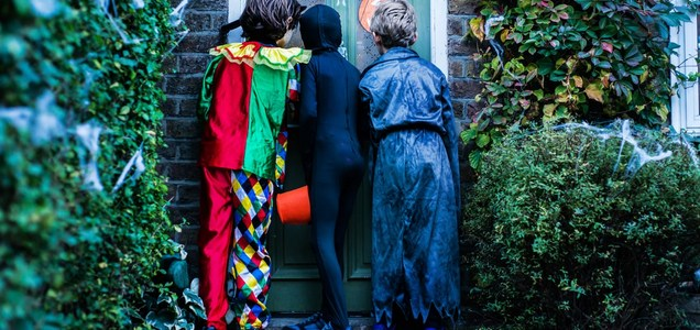 Is Trick-or-Treating Safe Amid the COVID Pandemic? We Asked a Pediatrician For Advice