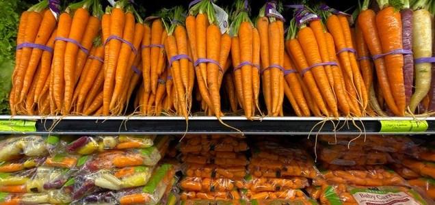 Propagación de coronavirus entre empacadores de frutas y verduras preocupa a autoridades de EEUU