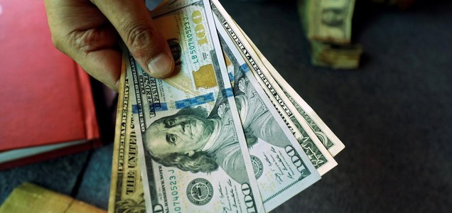Dollar's dominance to slowly melt away over coming year: Reuters poll