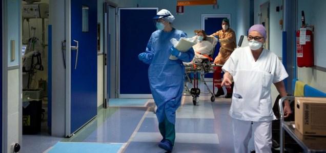 """Disse no al trasporto dei pazienti Covid-19: infermiere-sindacalista Usb sospeso per sei mesi. """"Eravamo senza Ffp2 e non formati"""""""