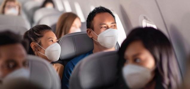 Cuán alto es el riesgo de contraer COVID-19 en un avión? IATA lo sabe