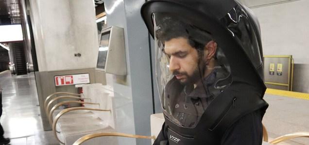 Equipo al estilo astronauta para enfrentar el coronavirus