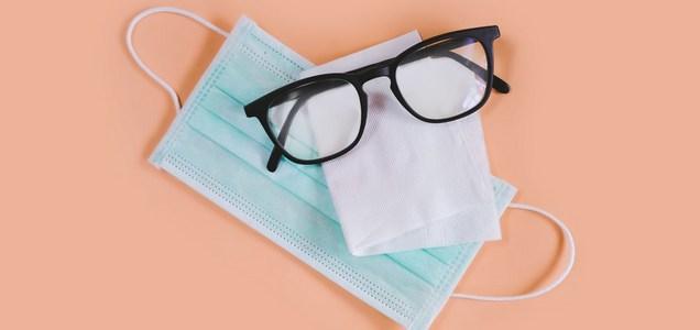 Mascherina e occhiali: una relazione complicata