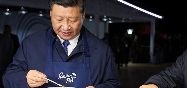 El régimen chino teme la falta de alimentos por el coronavirus: ordenó servir dos platos menos de comida por mesa