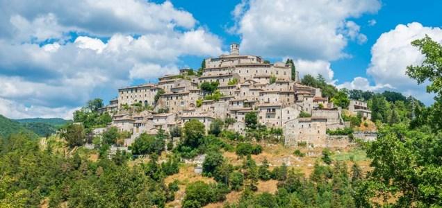 Nell'estate della crisi, l'Italia delle vacanze può ripartire dagli Alberghi diffusi